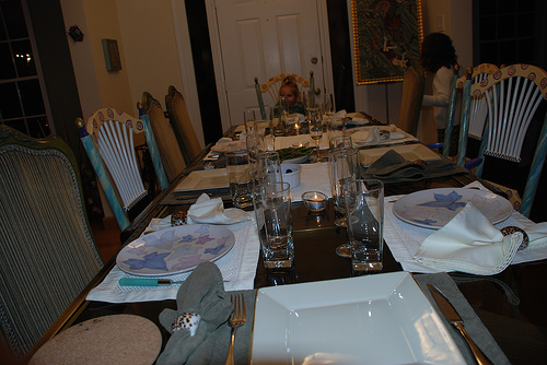 dinner_table_turkey.jpg